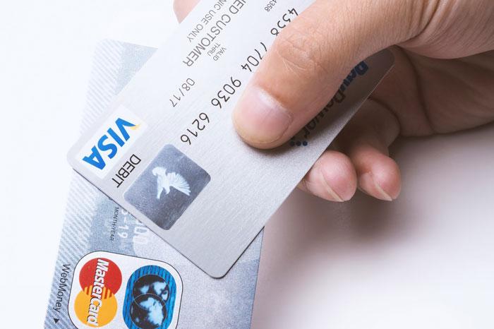 葬儀費用をクレジットカードで支払うことは可能か?