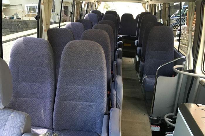 送迎バス(マイクロバス)